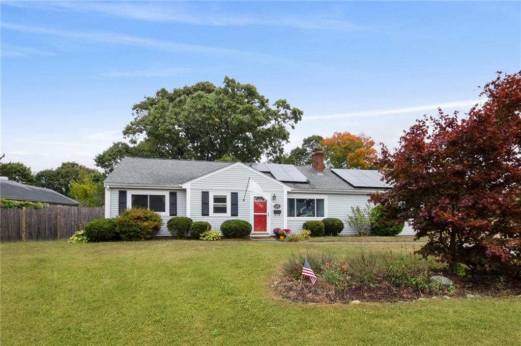 239 Wethersfield Dr , Warwick , Rhode Island I Sat 10/26 from 12:00-2:00PM
