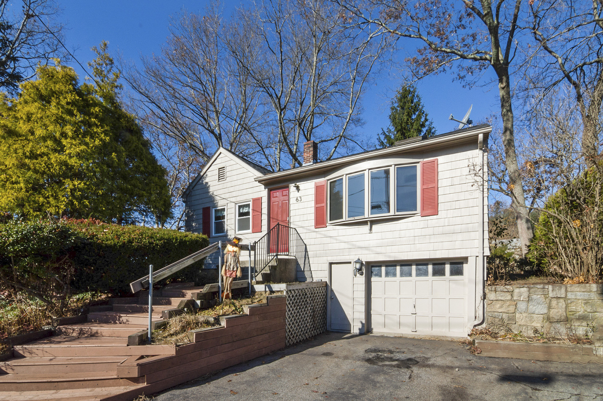 63 Twin Lakes Ave, Coventry, Rhode Island I Sun 11/24 from 11:00-12:30PM