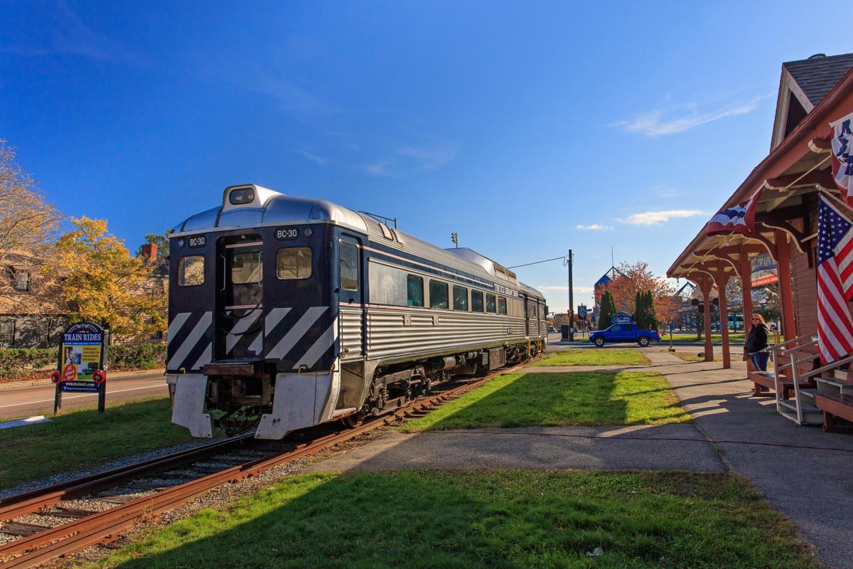 Autumn Harvest Bistro Train