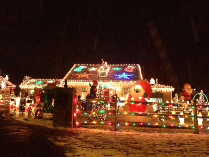 Top Of The Hill Christmas Lights Delaware 2021 Delaware S Holiday Light Road Trip Through 9 Magical Displays