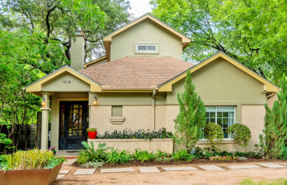 Spacious home with guest house offers the best of Bouldin living