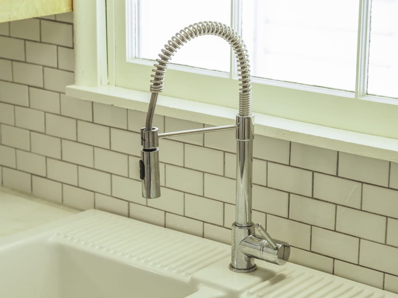 goose-neck style faucet