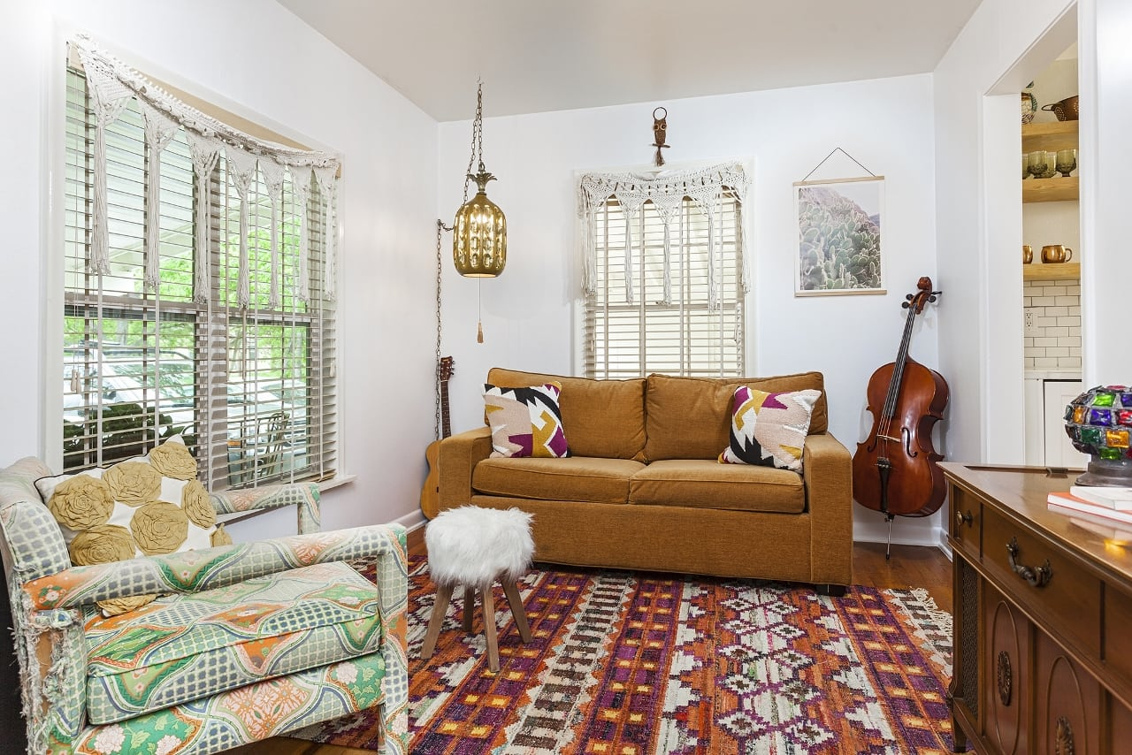Boho chic cottage in South Manchaca now for sale