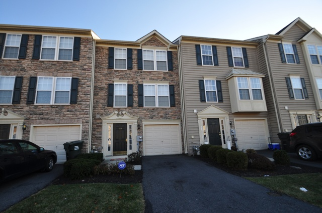 Easton - 2 Beds 3 Baths $154,900