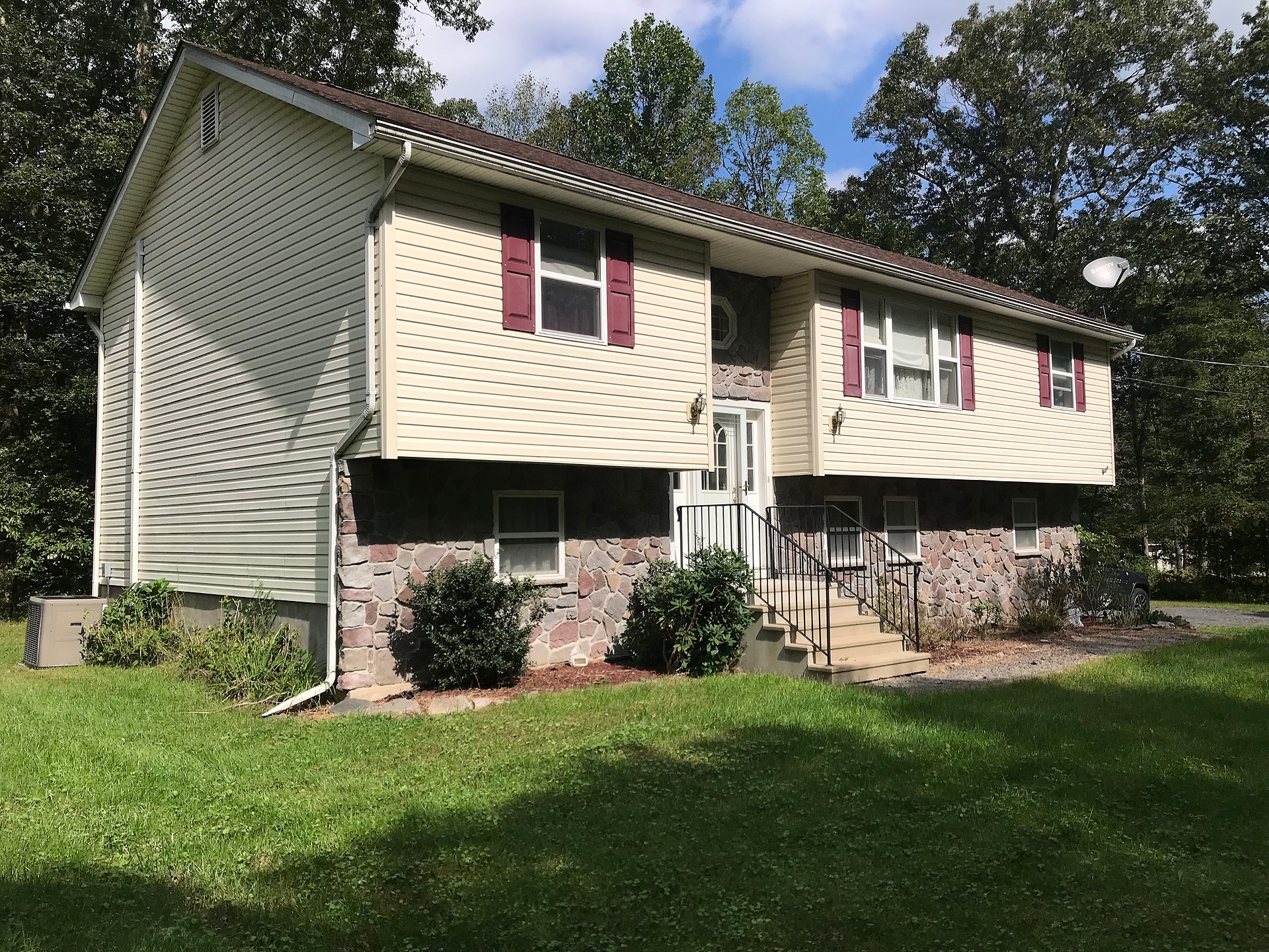 East Stroudsburg - 3 Bedroom 3 Bath $99,900