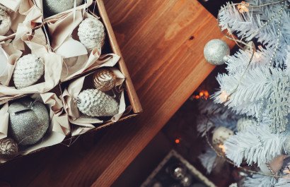 11 Holiday Decorating Hacks