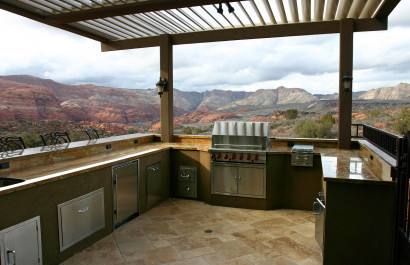 Outdoor Kitchens That Will Put Money in Your Pocket