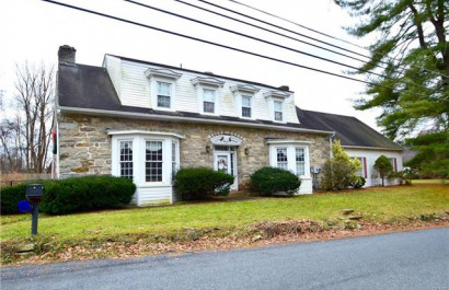 Friday Featured Listing: 556 River Rd, Pohatcong, NJ