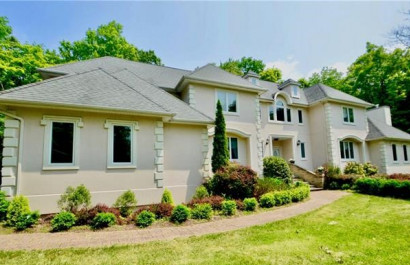 Friday Featured Listing: 220 Ridge Road, Oak Ridge, NJ