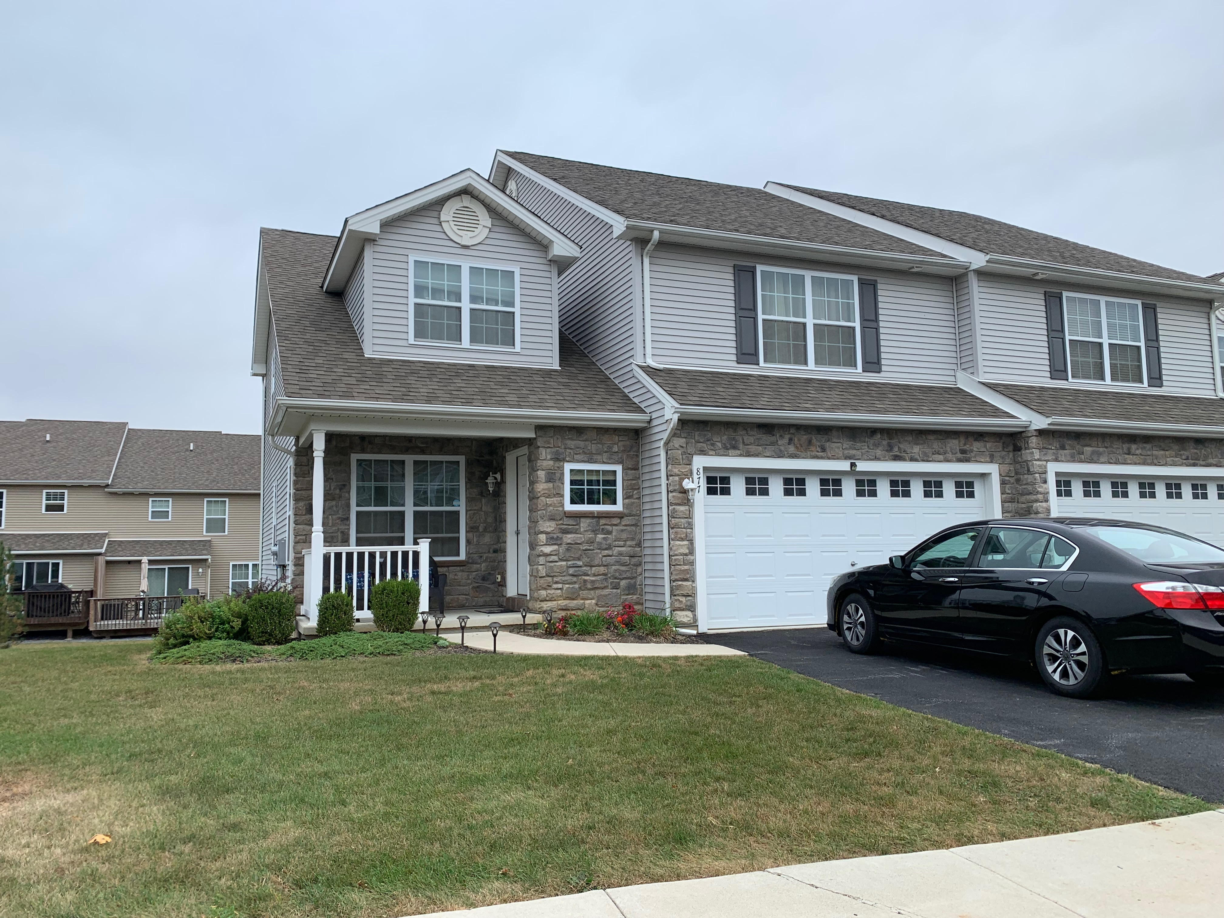 Easton – 4 Bedroom 3 Bath $299,999