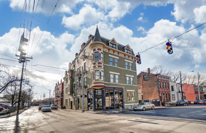 203 West 6th St. #3B | Oyler Group at Coldwell Banker Realty