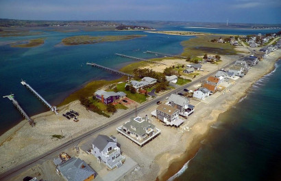 Waterfront Homes For Sale Under $1mil 💰